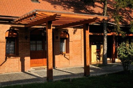 Tamplarie lemn | Usi Interior Exterior Lemn | Ferestre Lemn | Obloane Lemn - amenajari5