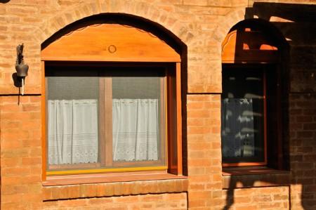 Tamplarie lemn | Usi Interior Exterior Lemn | Ferestre Lemn | Obloane Lemn - ferestre1