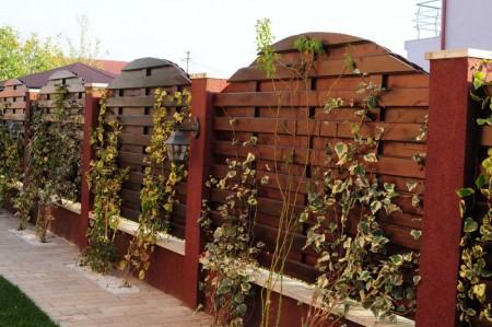 Tamplarie lemn | Usi Interior Exterior Lemn | Ferestre Lemn | Obloane Lemn - gard01_resize-1000x664