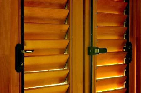 Tamplarie lemn | Usi Interior Exterior Lemn | Ferestre Lemn | Obloane Lemn - obloane-timisoara3