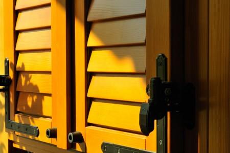 Tamplarie lemn | Usi Interior Exterior Lemn | Ferestre Lemn | Obloane Lemn - obloane-timisoara4
