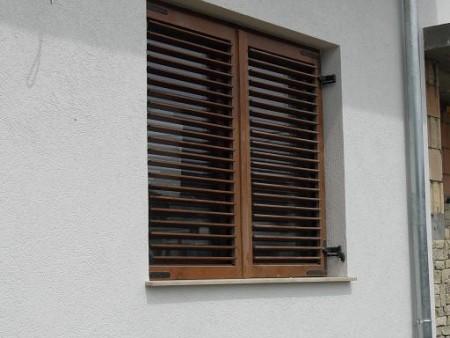 Tamplarie lemn | Usi Interior Exterior Lemn | Ferestre Lemn | Obloane Lemn - oblon2