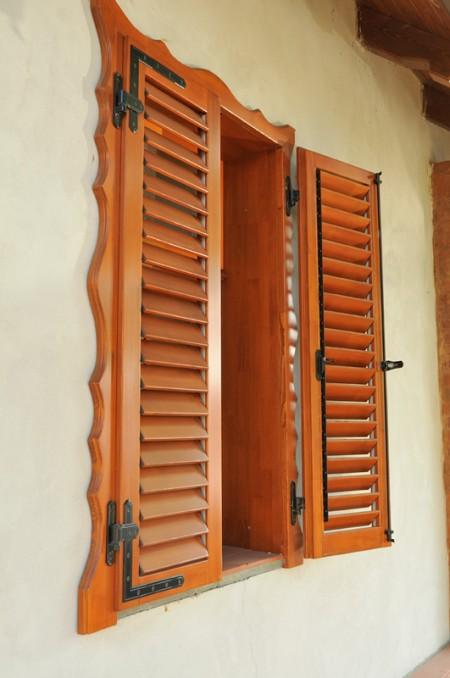 Tamplarie lemn | Usi Interior Exterior Lemn | Ferestre Lemn | Obloane Lemn - oblon4
