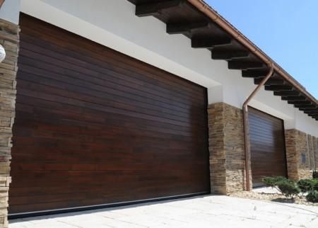 Tamplarie lemn | Usi Interior Exterior Lemn | Ferestre Lemn | Obloane Lemn - porti-de-garaj1