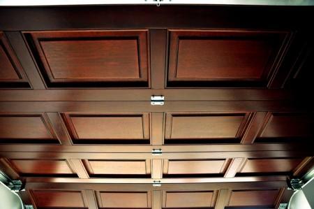 Tamplarie lemn | Usi Interior Exterior Lemn | Ferestre Lemn | Obloane Lemn - porti-de-garaj3