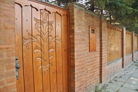 Tamplarie lemn | Usi Interior Exterior Lemn | Ferestre Lemn | Obloane Lemn - porti-si-portite-de-acces