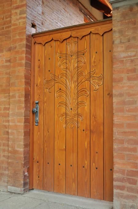 Tamplarie lemn | Usi Interior Exterior Lemn | Ferestre Lemn | Obloane Lemn - porti-si-portite-de-acces2