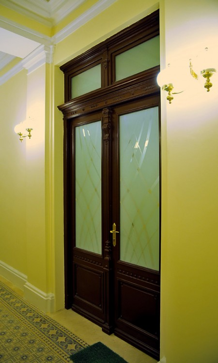 Tamplarie lemn | Usi Interior Exterior Lemn | Ferestre Lemn | Obloane Lemn - reconstituire-tamplarie12
