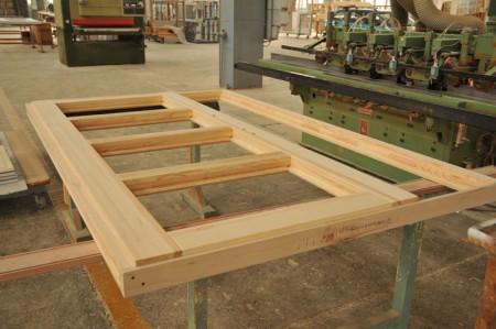 Tamplarie lemn | Usi Interior Exterior Lemn | Ferestre Lemn | Obloane Lemn - reconstituire-tamplarie2