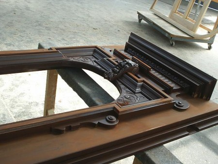 Tamplarie lemn | Usi Interior Exterior Lemn | Ferestre Lemn | Obloane Lemn - reconstituire-tamplarie9