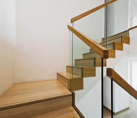 Tamplarie lemn | Usi Interior Exterior Lemn | Ferestre Lemn | Obloane Lemn - scara-cu-sticla