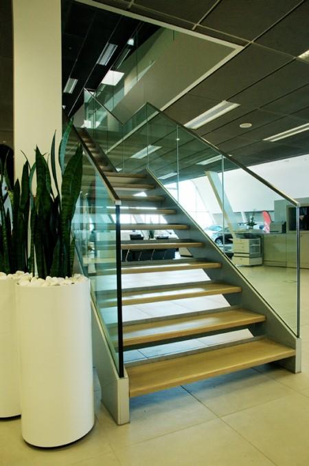 Tamplarie lemn | Usi Interior Exterior Lemn | Ferestre Lemn | Obloane Lemn - scari-interioare