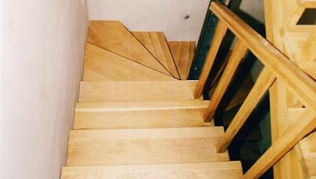 Tamplarie lemn | Usi Interior Exterior Lemn | Ferestre Lemn | Obloane Lemn - scari-interioare11
