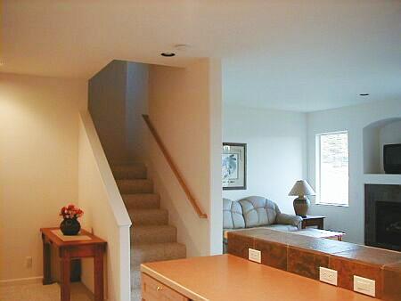 Tamplarie lemn | Usi Interior Exterior Lemn | Ferestre Lemn | Obloane Lemn - scari-interioare13