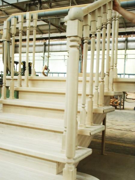 Tamplarie lemn | Usi Interior Exterior Lemn | Ferestre Lemn | Obloane Lemn - scari-interioare15