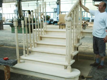 Tamplarie lemn | Usi Interior Exterior Lemn | Ferestre Lemn | Obloane Lemn - scari-interioare18