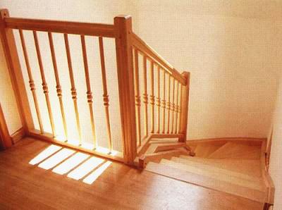 Tamplarie lemn | Usi Interior Exterior Lemn | Ferestre Lemn | Obloane Lemn - scari-interioare20