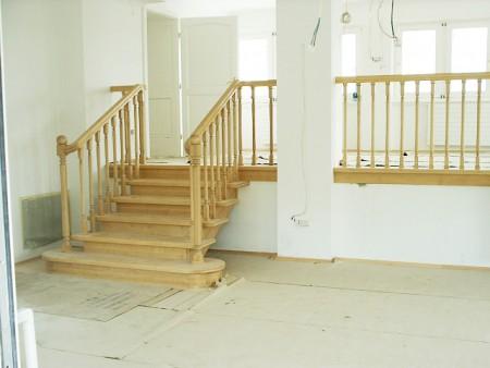 Tamplarie lemn | Usi Interior Exterior Lemn | Ferestre Lemn | Obloane Lemn - scari-interioare4