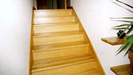 Tamplarie lemn | Usi Interior Exterior Lemn | Ferestre Lemn | Obloane Lemn - scari-interioare6