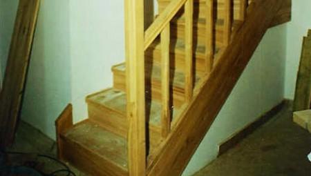 Tamplarie lemn | Usi Interior Exterior Lemn | Ferestre Lemn | Obloane Lemn - scari-interioare7