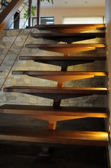 Tamplarie lemn | Usi Interior Exterior Lemn | Ferestre Lemn | Obloane Lemn - trepte01_resize-531x800