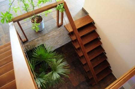 Tamplarie lemn | Usi Interior Exterior Lemn | Ferestre Lemn | Obloane Lemn - trepte02_resize-1000x664