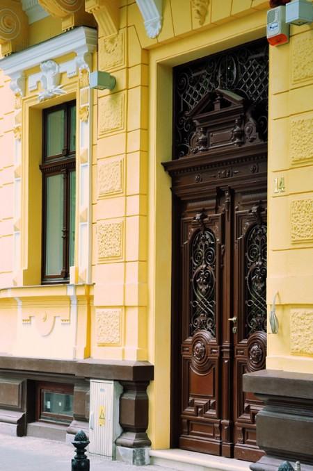 Tamplarie lemn | Usi Interior Exterior Lemn | Ferestre Lemn | Obloane Lemn - usa-exterioare