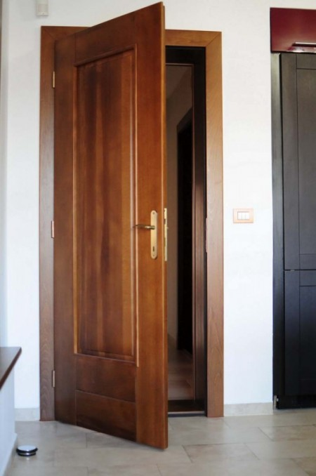 Tamplarie lemn | Usi Interior Exterior Lemn | Ferestre Lemn | Obloane Lemn - usa-interior02_resize-531x800
